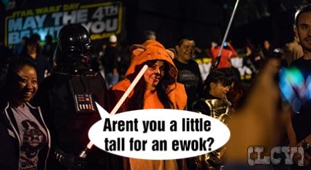 Ewoks... adultos. Definitivo los recordaba de otra manera.